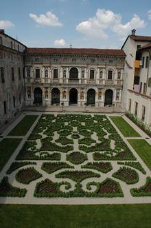 Palazzo Cravetta