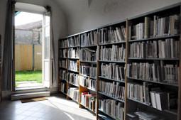 Biblioteca - sezione documentazione locale